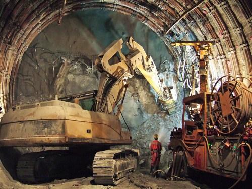 Tunnel du Gothard (photo Baerchen57 via licence CC Flikr)