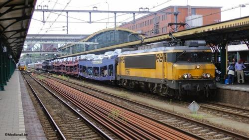 EETC, une compagnie néerlandaise qui organise des trains-autos-couchettes vers le soleil méditerranéen, sauf vers la France, à cause des péages d'infrastructure excessifs. Mais en été 2015, cette société a arrêté ses activités pour l'ensemble du business model, intenable au niveau des coûts d'accès (photo Mediarail.be)