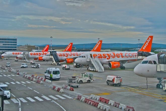 Le marché du low-cost confirme son attrait auprès des fauchés, et pas que...(photo de Aero Icarus via flickr CC BY-SA 2.0)