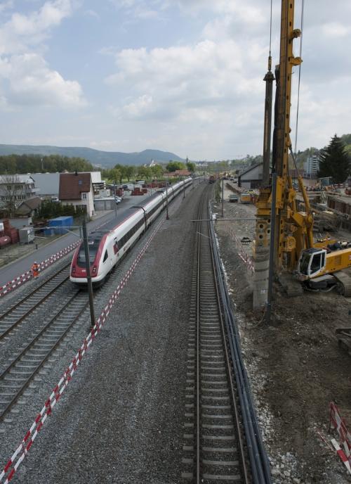 Vierspurausbau Olten-Aarau (Eppenbergtunnel) Materialumschlag und Schotterreinigung Km 43.00 3. Mai 2016 Wöschnau.