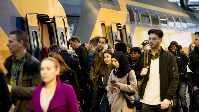 The Netherlands : the network reaches its limits. Towards a six-secondschedule?