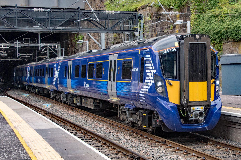 Scotrail-Class-385-Hitachi