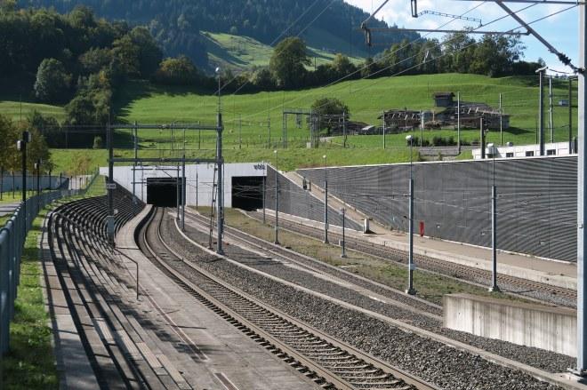 Tunnel_05_lotschberg_Kecko_flickr