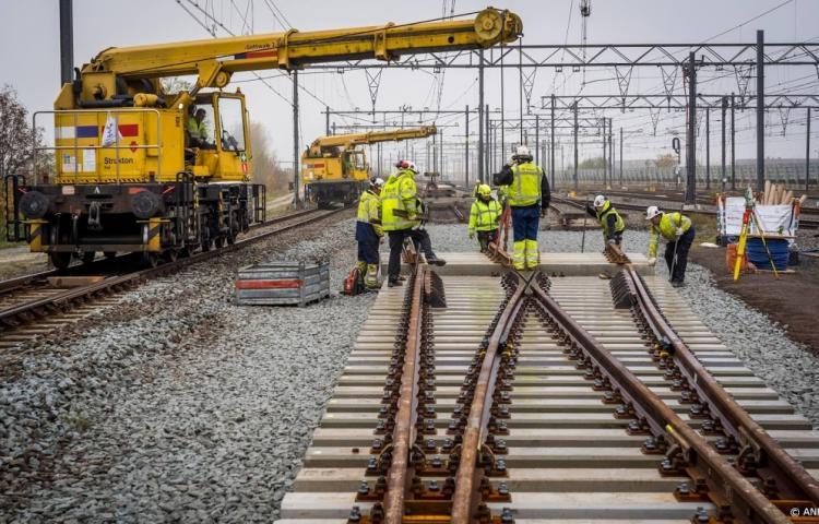 Pas de bons trains sans bonnes infrastructures…